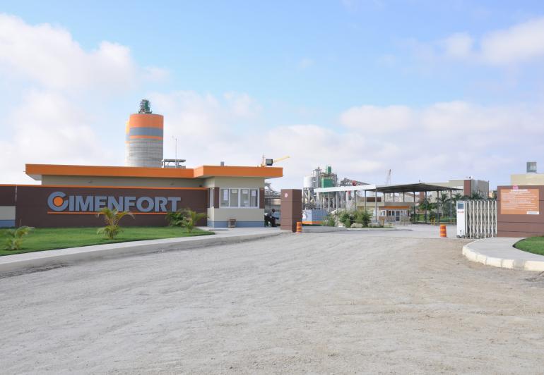 Entrada da Cimenfort